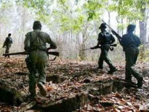 मुठभेड़ झीरम हमले के मास्टरमाइंड हिड़मा के गांव में हुई। हमला करने वाले नक्सली उसी की टीम के सदस्य थे।