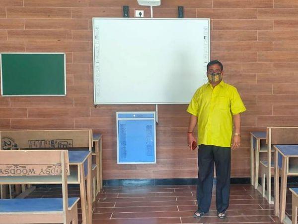 बरेली में जसौली स्थित प्राथमिक स्कूल को संवार दिया गया है। यहां अपने बच्चों का दाखिला कराने के लिए अभिभावकों की हर दिन भीड़ जुट रही है। - Dainik Bhaskar