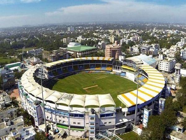मुंबई के वानखेड़े स्टेडियम में इस बार कई मैच होने है। - Dainik Bhaskar