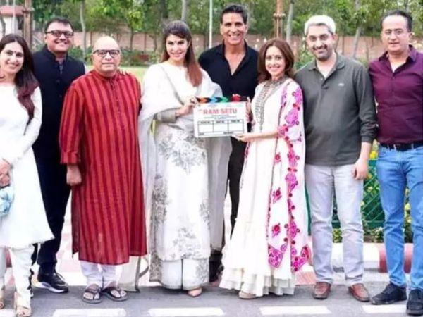 अक्षय कुमार मुंबई में अपकमिंग फिल्म 'राम सेतु' की शूटिंग कर रहे थे। फिल्म में अक्षय के अलावा जैकलीन फर्नांडिस और नुसरत भरूचा भी लीड रोल में हैं। - Dainik Bhaskar