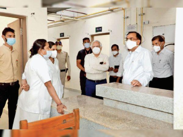 हमीदिया अस्पताल... मरीजों के इलाज के लिए 50 वेंटिलेटर और मिलेंगे - Dainik Bhaskar