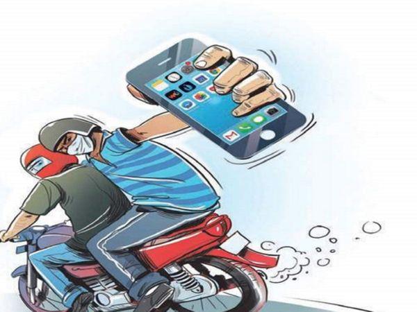 जयपुर में पिछले दिनों दो दर्जन से ज्यादा मोबाइल फोन लूट की वारदातें हो चुकी है। इनमें सबसे ज्यादा परकोटे के रामगंज व माणकचौक इलाके में यह वारदातें बढ़ी है। - Dainik Bhaskar