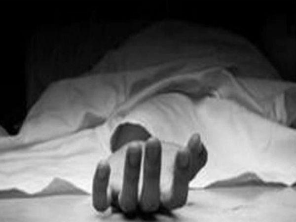 करनाल में महज 7 महीने पहले ब्याही गई एक युवती ने पति की मौत के बाद आत्महत्या कर ली। मोर्चरी में रखी डेड बॉडी की सिंबॉलिक इमेज - Dainik Bhaskar