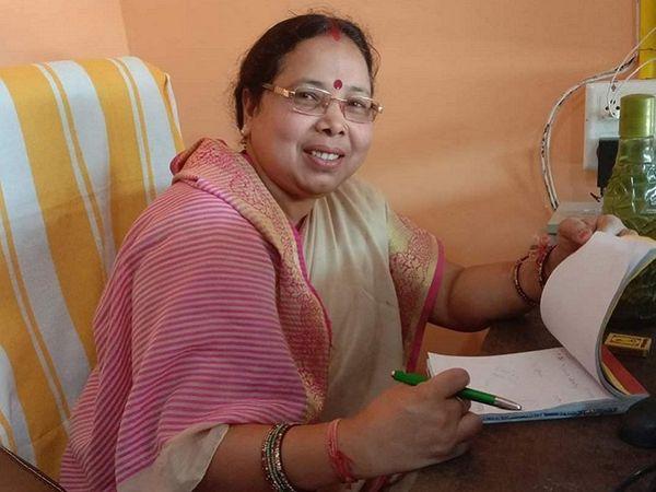 छत्तीसगढ़ के गरियाबंद में कोरोना संक्रमण के चलते महिला कांग्रेस जिलाध्यक्ष ममता राठौर की मौत हो गई। वह एक सप्ताह पहले ही असम चुनाव प्रचार से लौटी थी। - Dainik Bhaskar