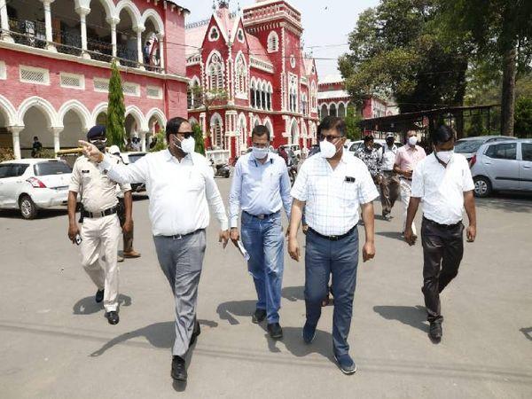 विक्टोरिया जिला अस्पताल का कलेक्टर कर्मवीर शर्मा ने किया निरीक्षण।