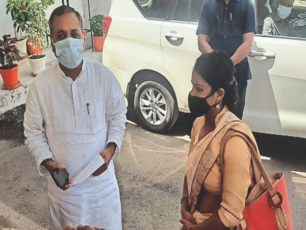 विधायक पाण्डेय से की शिकायत, उन्होंने पुलिस से जांच करने कहा। - Dainik Bhaskar