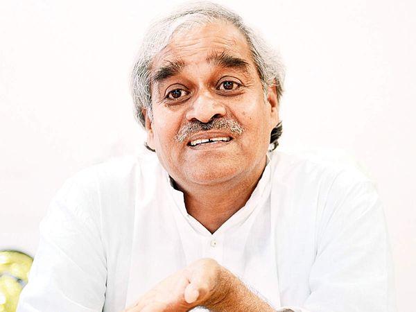 महाराष्ट्र में सिंचाई विभाग की अनियमितताओं को उजागर करने वाले इंजीनियर विजय पंढारे। 2013 में इन्होंने आम आदमी पार्टी ज्वॉइन कर ली।