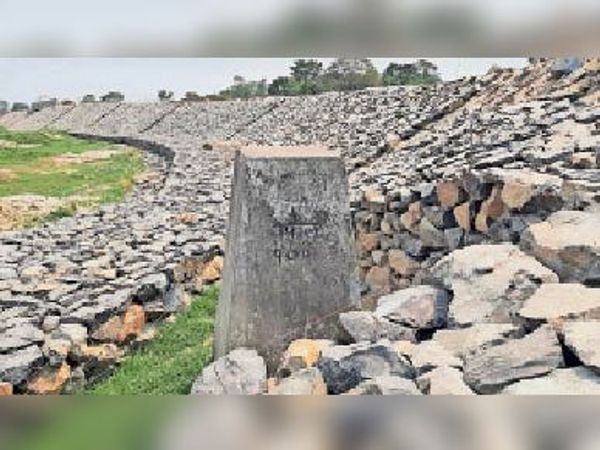 भारत-नेपाल की सीमा, जिस इलाके में पड़ने वाले गांवों का होना है विकास। - Dainik Bhaskar