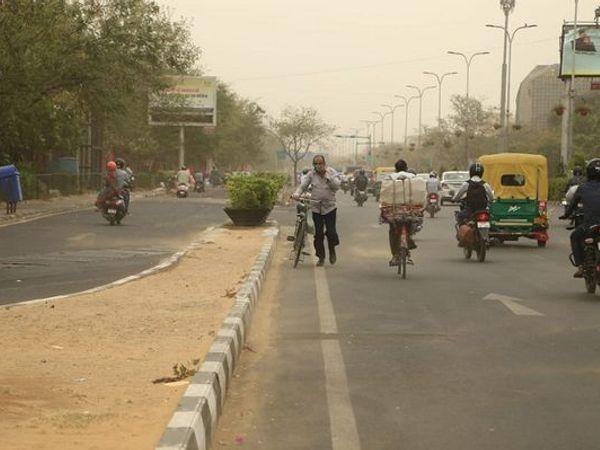 जयपुर में मंगलवार की रात न्यूनतम तापमान 24.6 डिग्री सेल्सियस दर्ज किया गया था। - Dainik Bhaskar