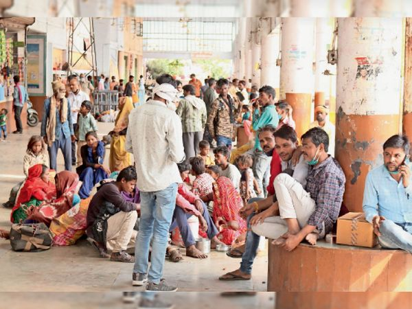 ऐसे बढ़ती गई कोरोना संक्रमितों की रफ्तार - Dainik Bhaskar