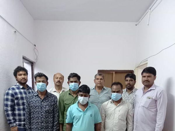 क्राइम ब्रांच ने चार बदमाशों को किया गिरफ्तार। - Dainik Bhaskar