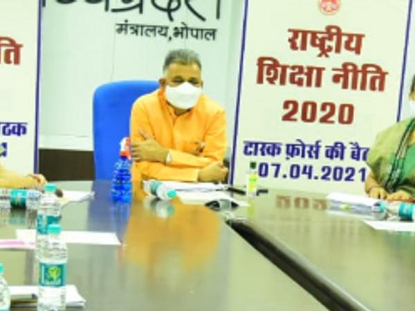 स्कूल शिक्षा (स्वतंत्र प्रभार) राज्य मंत्री इन्दर सिंह परमार की अध्यक्षता में राज्य-स्तरीय टास्क फोर्स की बैठक मंत्रालय में हुई। - Dainik Bhaskar