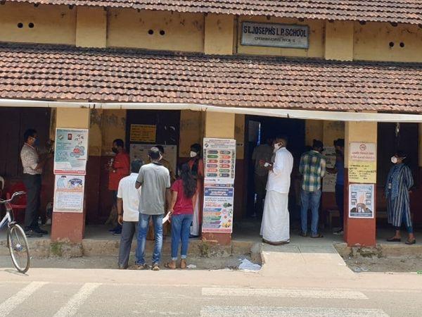 केरल में इस बार 73 फीसदी से ज्यादा मतदान हुआ है। जो पिछले बार की तुलना में कम है। 2016 में 77 फीसदी से ज्यादा वोटिंग हुई थी।