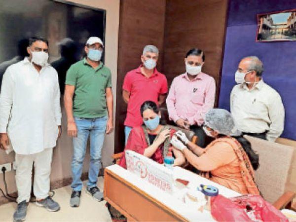 एमडीयू में 123 कर्मचारियों ने लगवाई वैक्सीन। - Dainik Bhaskar