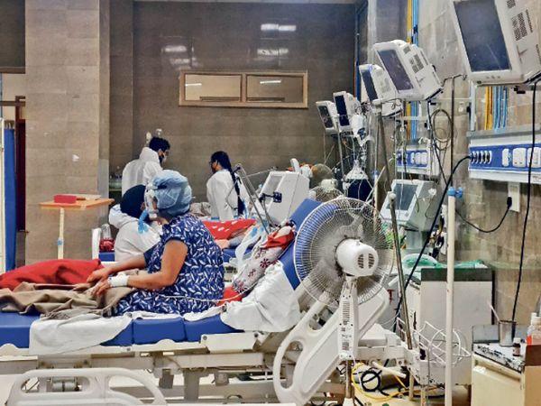 60 बेड से अधिक के अस्पतालों में आईसीयू और सामान्य के 25-25% बेड आरक्षित - Dainik Bhaskar