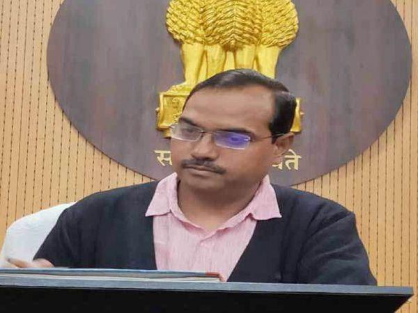 एईएस/चमकी बुखार से मासूमों की जान बचाने के लिए डीएम प्रणव कुमार ने की है यह अनूठी पहल। - Dainik Bhaskar