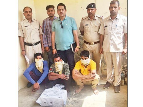 12000 नशीली गोलियों के साथ पकड़े तस्कर। - Dainik Bhaskar