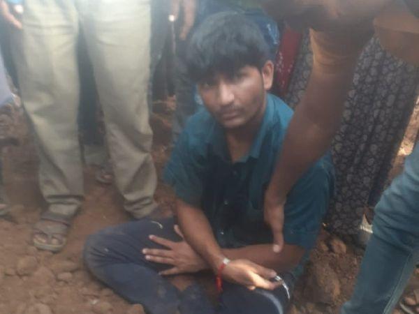 ग्रामीणों ने जब आरोपी से मां और भाई की हत्या की वजह पूछी तो उसने कहा कि उसे कुछ भी याद नहीं है। उलटा वह ग्रामीणों से ही पूछने लगा कि उसके परिवार के लोग कैसे हैं?