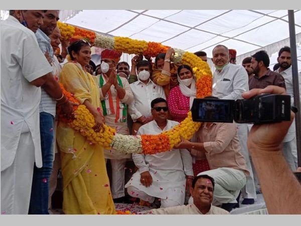 सुजानगढ़ में कांग्रेस प्रदेशाध्यक्ष की सभा में सामूहिक स्वागत।