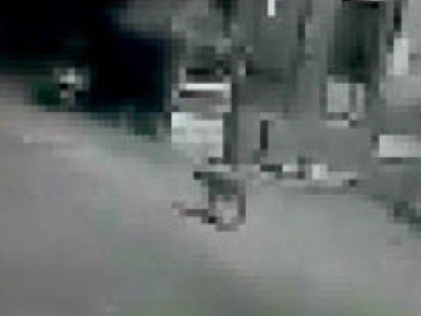 रतागढ़ क्षेत्र में तेंदुआ कैमरे में कैद हुआ इसलिए पिंजरा लगाया गया। - Dainik Bhaskar