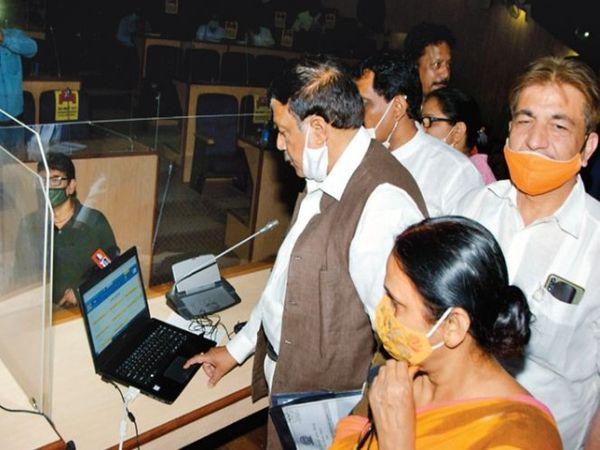 पूर्वी दिल्ली नगर निगम ने जन्म एवं मृत्यु प्रमाण पत्र के रजिस्ट्रेशन को पूर्ण रूप ऑनलाइन कर दिया है। - Dainik Bhaskar