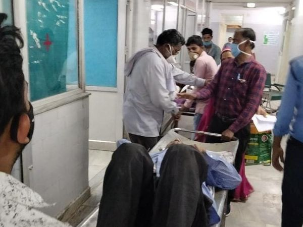 The injured Srinivas Tiwari was admitted to the hospital after being shot.