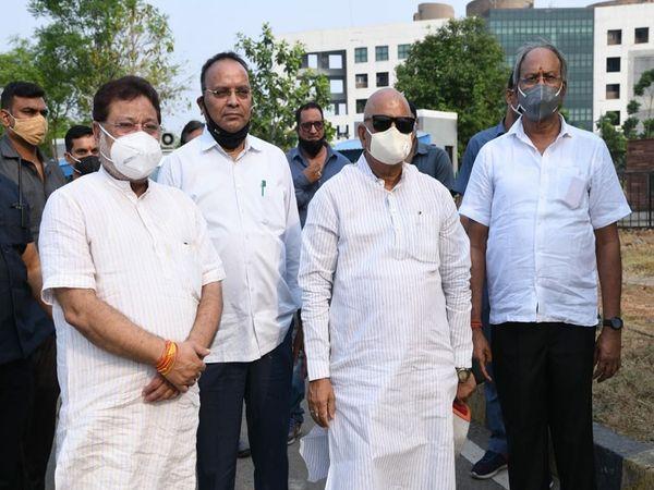 भाजपा नेताओं ने कहा कि पूरी तरह से अवैध राजनीतिक मुलाकात थी, हमारा मकसद लोगों तक जरूरी सुविधाएं पहुंचाना है।