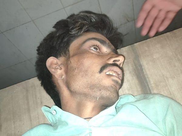 बाबूलाल को गंभीर अवस्था में अस्पताल ले जाया गया, जहां उसने दम तोड़ दिया। - Dainik Bhaskar