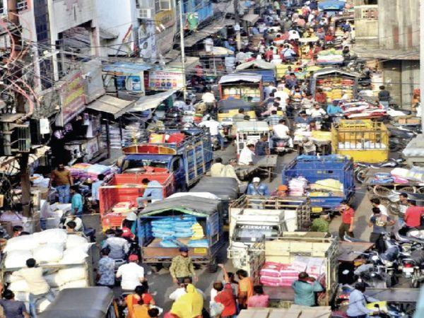 पूरे शहर में आज शाम से सोमवार सुबह तक लॉकडाउन, इसलिए थोक बाजारों का ये हाल