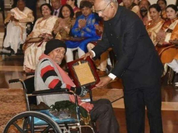 फरवरी 2019 में दीपक तिवारी को राष्ट्रपति रामनाथ कोविंद ने सम्मानित किया।-फाइल फोटो