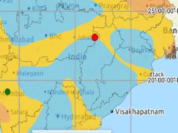 पृथ्वी विज्ञान विभाग की ओर से जारी इस तस्वीर में लाल बिंदु से भूकंप का केंद्र दर्शाया गया है। - Dainik Bhaskar