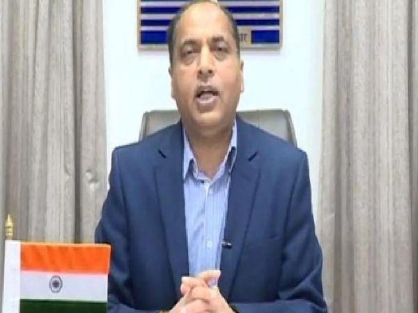 हिमाचल प्रदेश के मुख्यमंत्री जयराम ठाकुर कोरोना संक्रमण से बिगड़े प्रदेश के हालात पर बात करते हुए। - Dainik Bhaskar