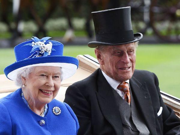 महारानी एलिजाबेथ और प्रिंस फिलिप ने पिछले साल अपनी शादी के 73 साल पूरे किए थे। 10 जून 1921 को जन्मे प्रिंस फिलिप दो महीने बाद अपना 100वां जन्मदिन मनाने वाले थे। (फाइल फोटो) - Dainik Bhaskar