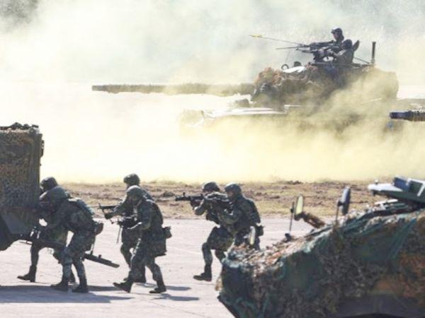 जनवरी में भी चीनी वायुसेना ने ताइवान में घुसपैठ की थी। इसके बाद ताइवानी सेना ने मिलिट्री एक्सरसाइज की थी। - Dainik Bhaskar