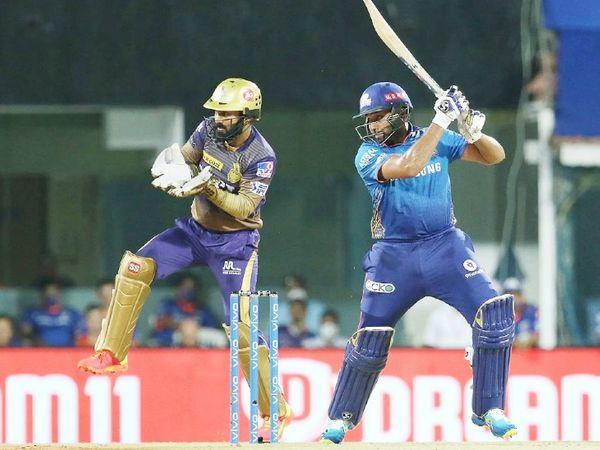 रोहित शर्मा ने 32 बॉल पर 43 रन की पारी खेली।