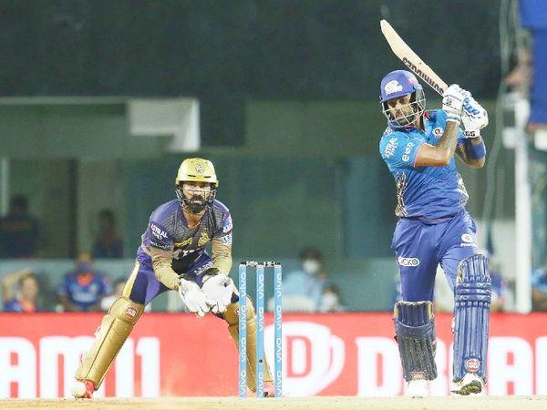 मुंबई ने टॉस हारकर पहले बल्लेबाजी की। सूर्यकुमार यादव ने 36 बॉल पर 56 रन बनाए।