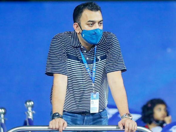 मैच देखने पहुंचे IPL के अंतरिम CEO हेमंग अमीन।