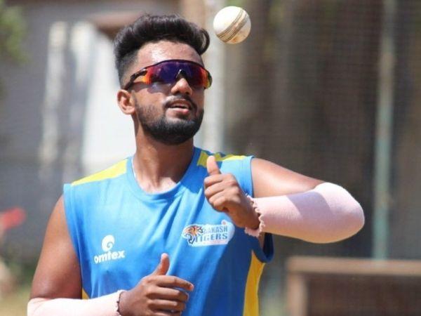 शम्स मुलानी ने टी-20 क्रिकेट में 24 विकेट लिए हैं। - Dainik Bhaskar