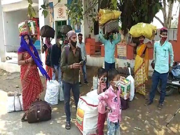 रायपुर, बिलासपुर और दुर्ग में रेलवे स्टेशनों के बाहर दूसरे प्रदेशों को लौट रहे मजदूरों की भीड़ फिर नजर आने लगी है।