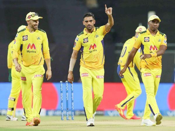 दीपक चाहर ने 4 ओवर में 13 रन देकर 4 विकेट लिए। एक मेडन ओवर भी डाला।