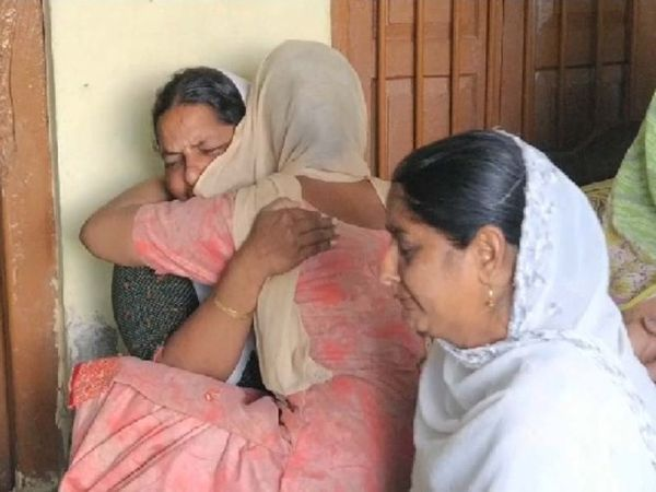 गोलीबारी में मारे गए 4 सिखों में से एक जसविंदर सिंह पंजाब के होशियारपुर जिले के रहने वाले थे। उनके परिवार को घटना के अगले दिन सुबह इस बारे में पता चला।