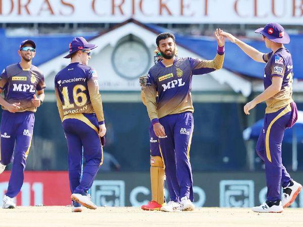 वरुण चक्रवर्ती टीम इंडिया के लिए फिटनेस टेस्ट में फेल हुए, लेकिन RCB के खिलाफ उन्होंने एक ही ओवर में 2 विकेट लिए।