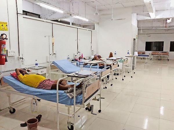 50 in KIT, 57 started oxygen beds in medical college | केआईटी में 50, मेडिकल कॉलेज में ऑक्सीजन वाले 57 बेड शुरू