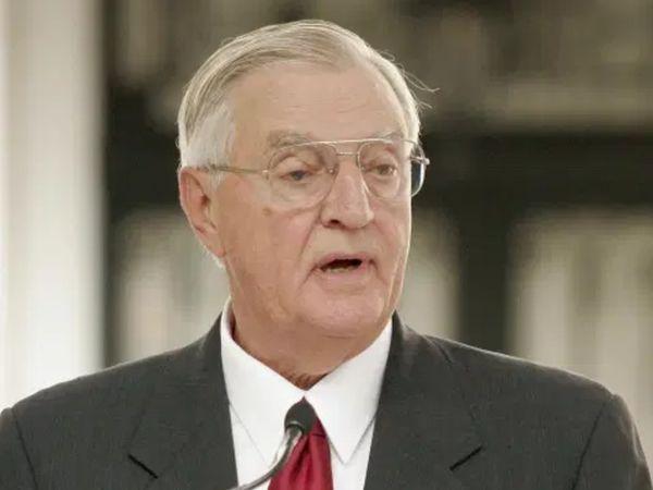 1977 से 1981 के बीच जिम्मी कार्टर सरकार में वॉल्टर फ्रिट्ज मोंडेल उपराष्ट्रपति थे। (फाइल फोटो) - Dainik Bhaskar