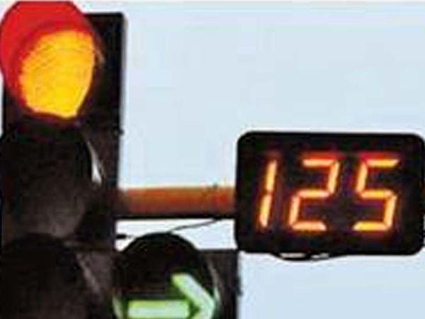 दिल्ली-जयपुर हाईवे पर सिरहौल बार्डर से लेकर रजोकरी बार्डर तक ट्रैफिक का दबाव बना रहा। - Dainik Bhaskar