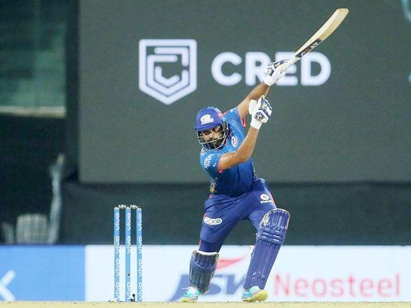 रोहित शर्मा ने टॉस जीतकर पहले बैटिंग चुनी थी। उन्होंने 30 बॉल पर 44 रन बनाए। रोहित IPL में दिल्ली के खिलाफ सबसे ज्यादा 38 छक्के लगाने वाले पहले प्लेयर बने। उन्होंने क्रिस गेल (37 छक्के) को पीछे छोड़ दिया है।
