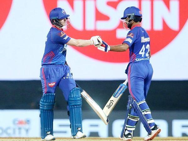 138 रन के टारगेट का पीछा करने उतरी दिल्ली टीम के लिए स्टीव स्मिथ और शिखर धवन ने दूसरे विकेट के लिए 47 बॉल पर 53 रन की पार्टनरशिप की।