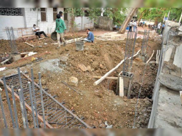 प्रदेश में 37 प्लांट बन रहे हैं - Dainik Bhaskar