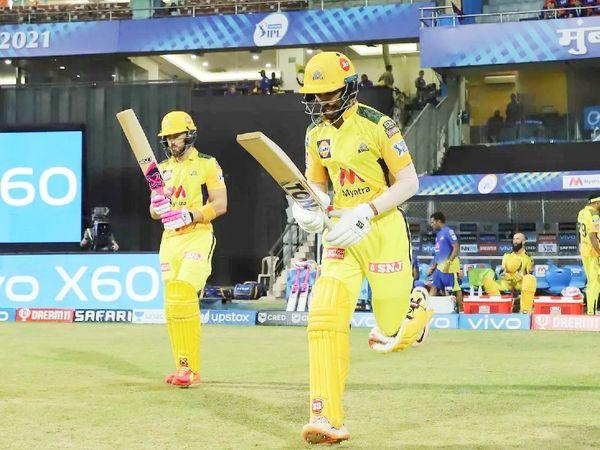 दूसरे मैच में चेन्नई के लिए ओपनर फाफ डुप्लेसिस और ऋतुराज गायकवाड़ के बीच 115 रन की ओपनिंग पार्टनरशिप हुई।