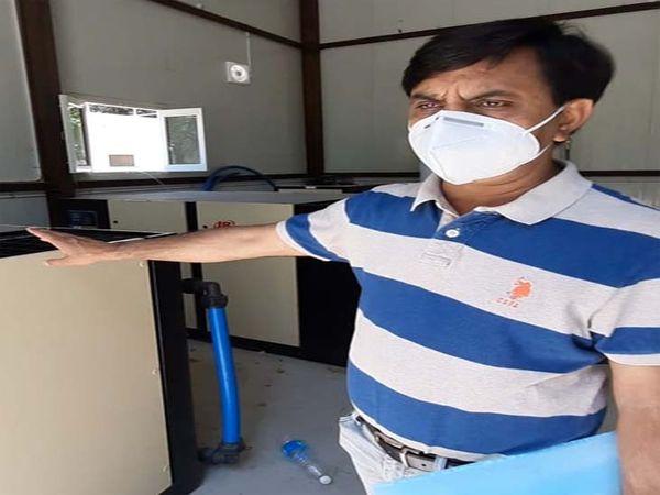 डॉ. मनजीत ने बताया शहर में ऑक्सीजन जेनरेटर प्लांट काम कर रहे